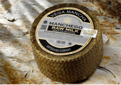 MANCHEGO CURED RAW MILK SHEEP CHEESE (PDO)